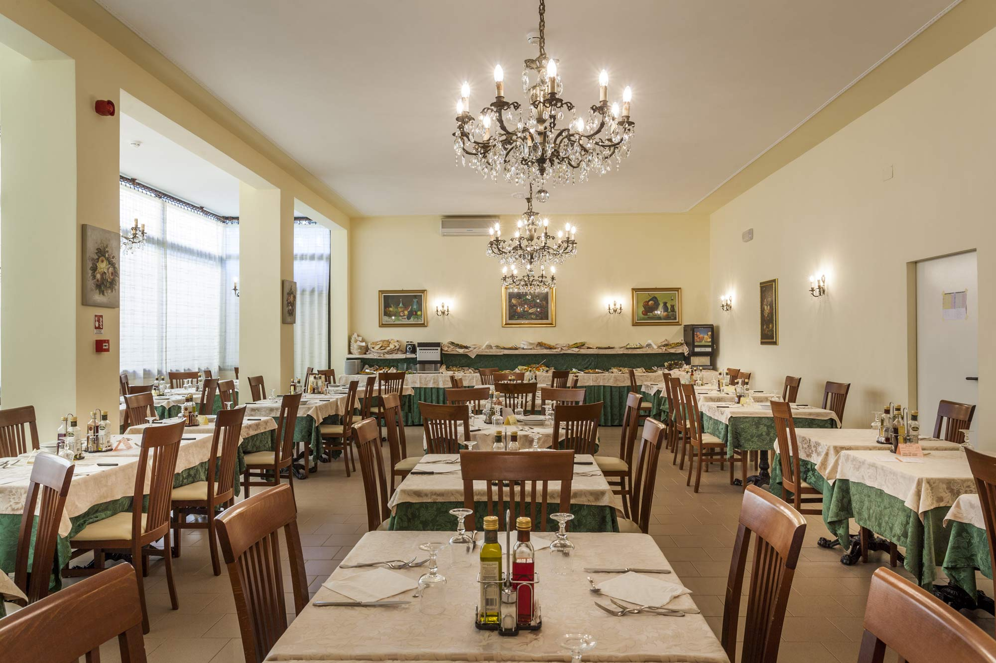 Sala-ristorante-Hotel-Ala-Riccione