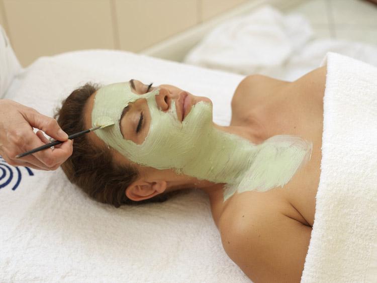 12 Riccione Terme Oasi SPA trattamento estetico maschera viso